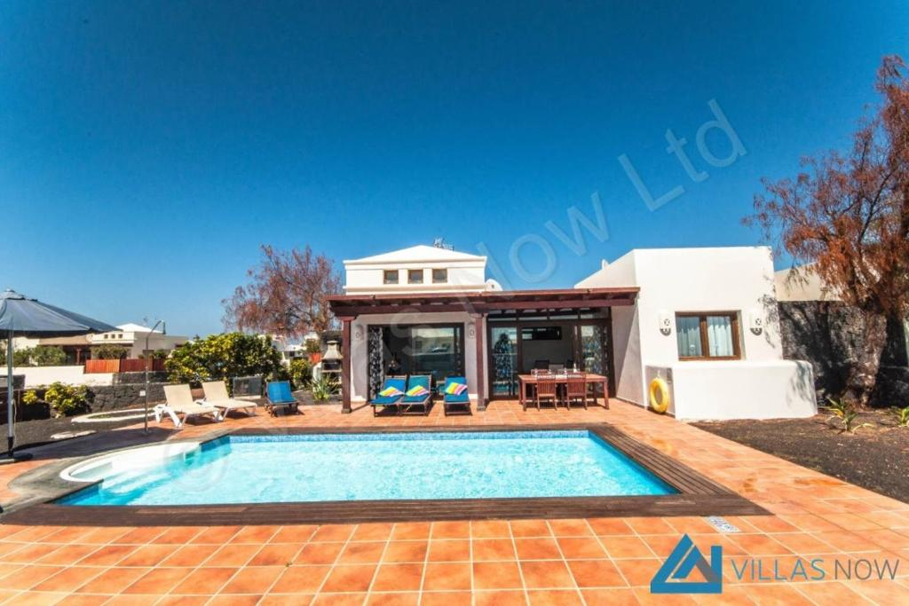 Villas Aquamarina, Playa Blanca, Spain - Booking.com
