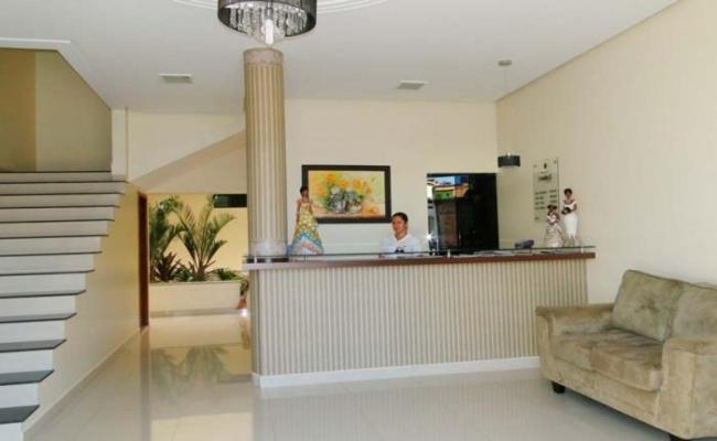Ο χώρος του λόμπι ή της ρεσεψιόν στο Hotel Cambui