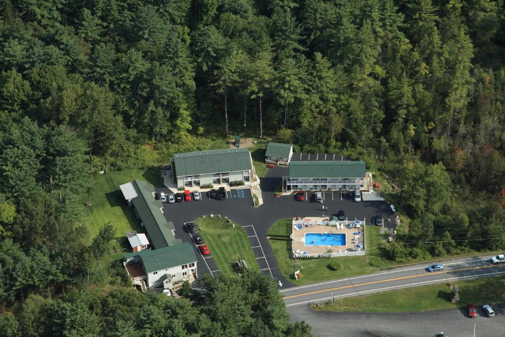 A bird's-eye view of Studio Motel of Lake George