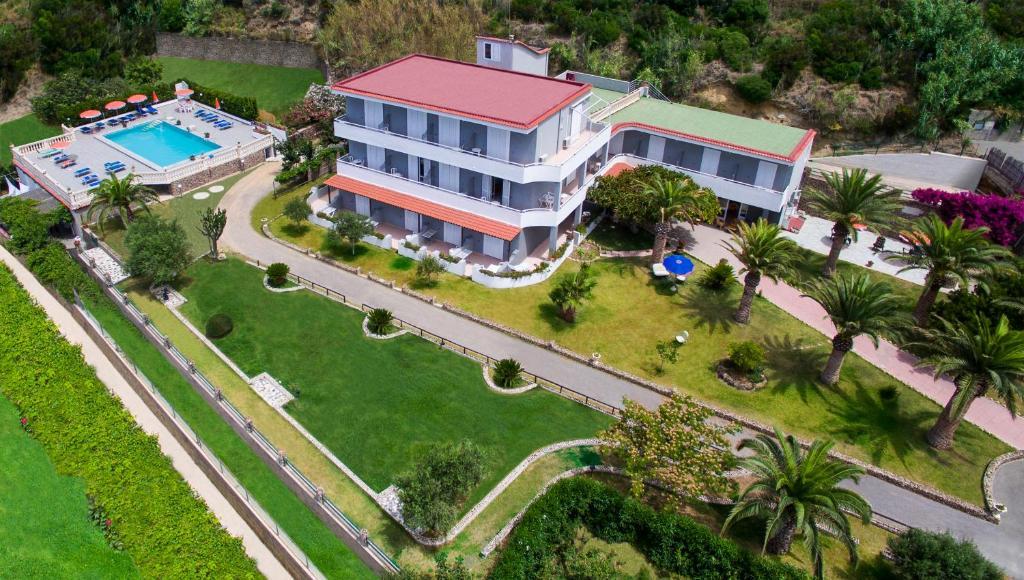 A bird's-eye view of Hotel Villa Rita