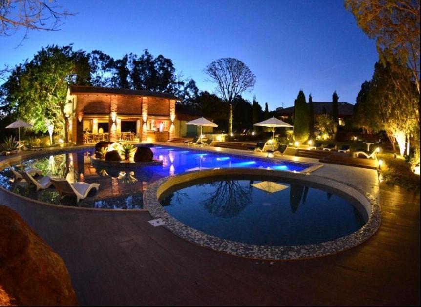 Bazén v ubytovaní Leão de Judá Charme Hotel alebo v jeho blízkosti