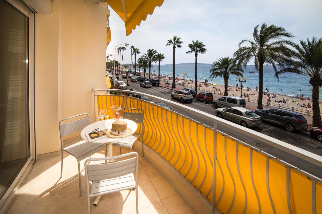 Luxurious Apartment With Amazing See View Close To Cannes Center