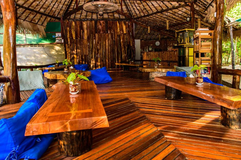 A restaurant or other place to eat at Coconut Guest House
