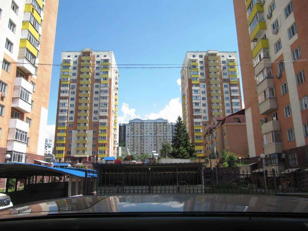 Apartments on Balzaka 8