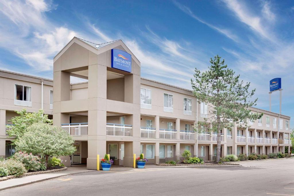 Baymont Inn Suites Kalamazoo East Mi Booking Com