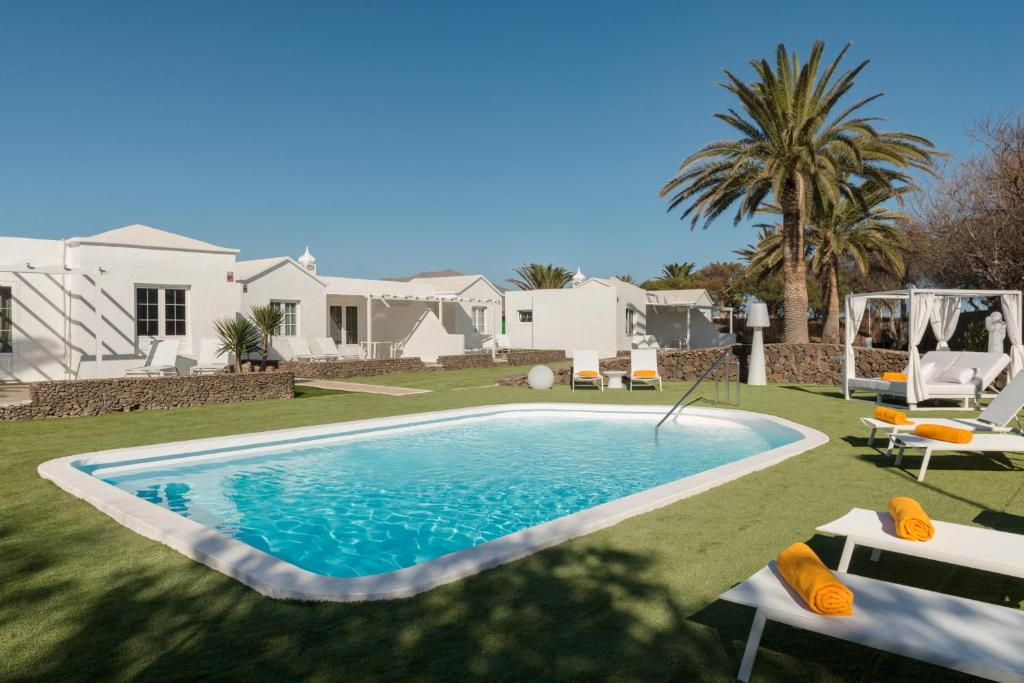Villas Lanzasuites, Playa Blanca, Spain - Booking.com