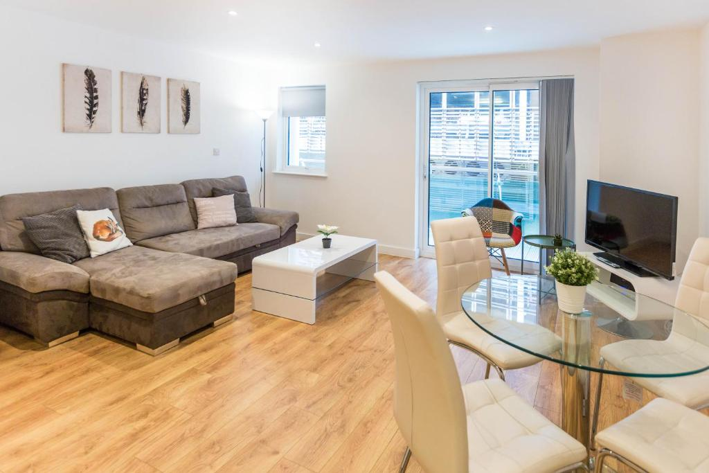 Enfield (Innova Business Park) | Greater London | Practical