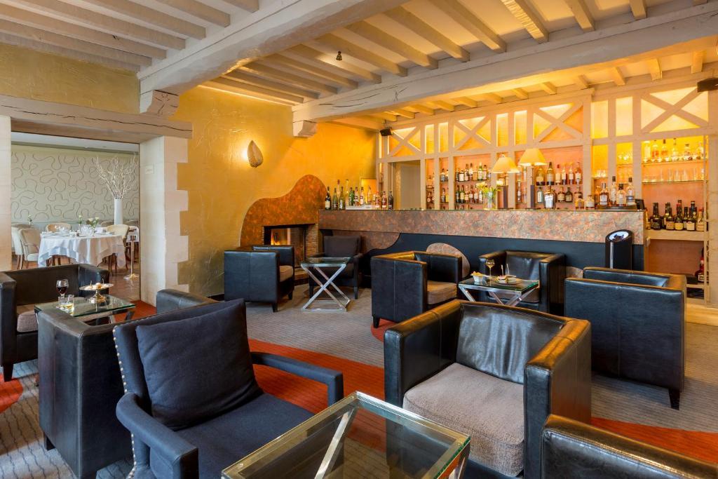 Hotel Le Dauphin Et Le Spa Du Prieure Caen France Booking Com