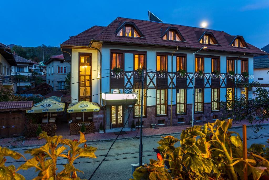 Family Hotel Teteven Teteven Obnoveni Ceni 2020