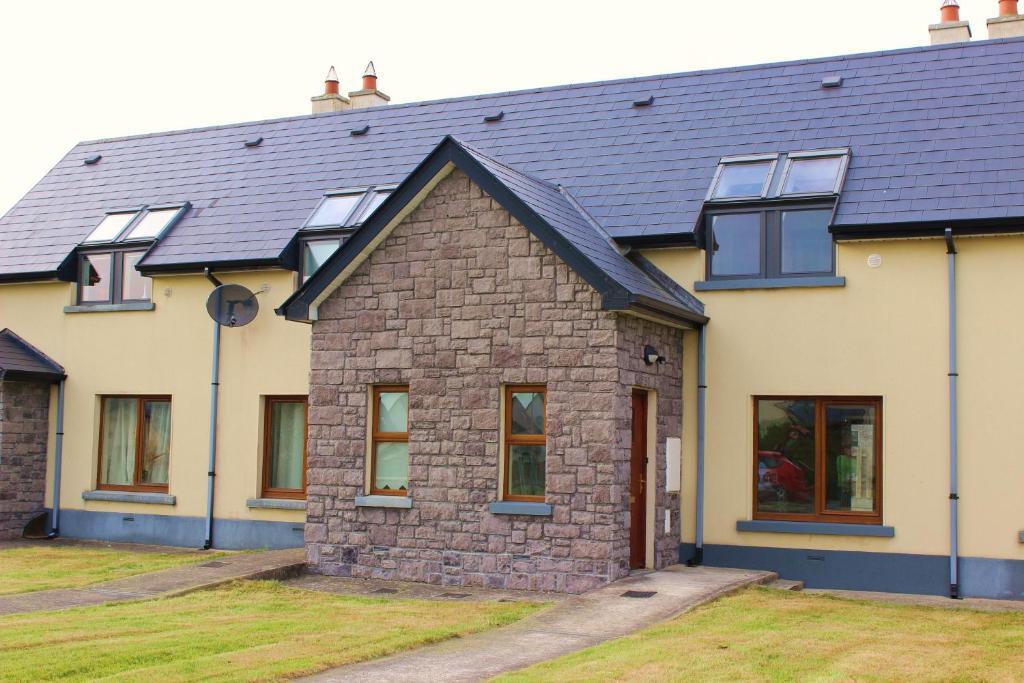 Rooms to Rent Ballina, Room Share Mayo, Shared - brighten-up.uk