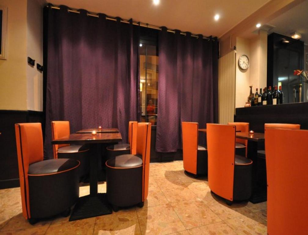 Lounge oder Bar in der Unterkunft Hotel de l'Europe