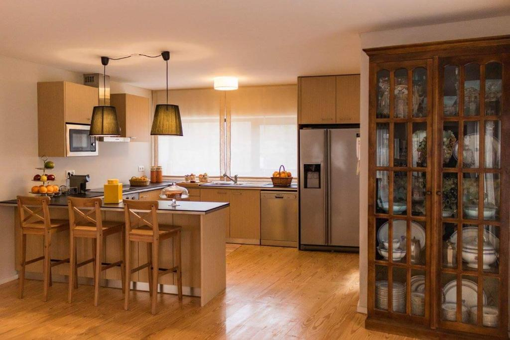 A kitchen or kitchenette at Quinta de Alvarenga
