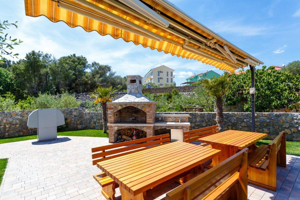 Apartments Vlado Krk Croatia Booking Com