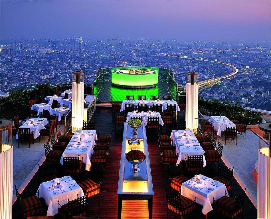 A restaurant or other place to eat at lebua at State Tower