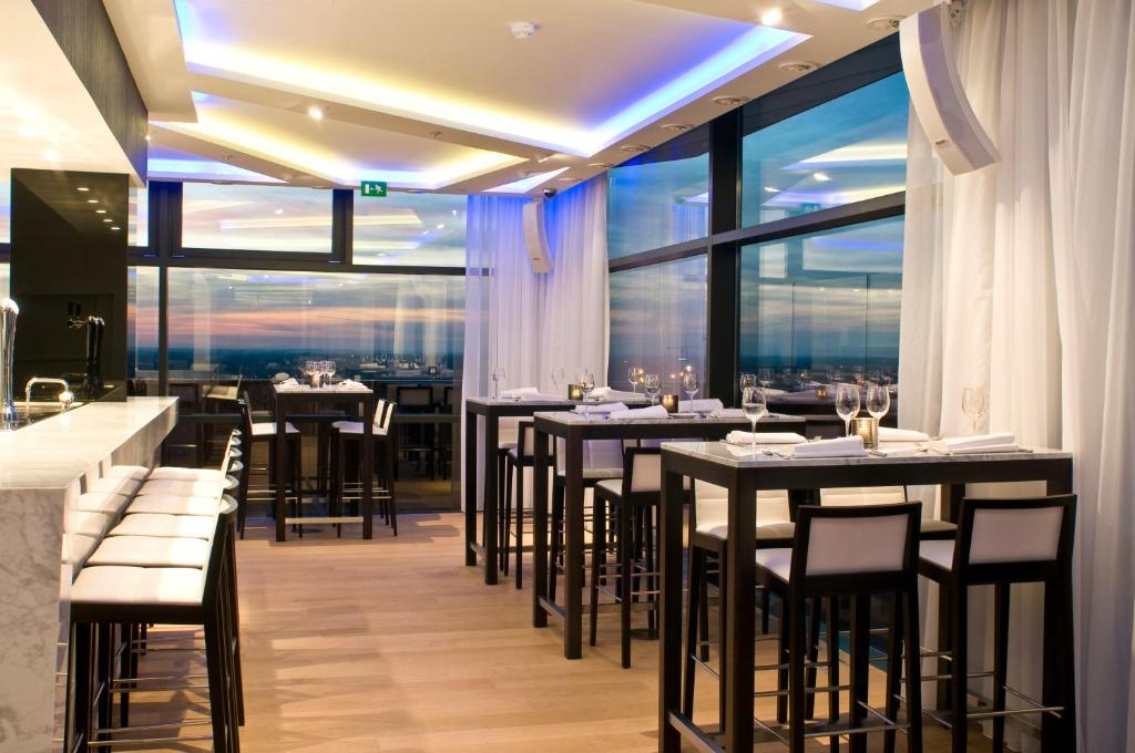 A restaurant or other place to eat at Radisson Blu Hotel Hasselt