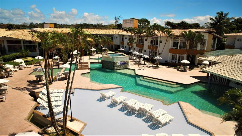 A view of the pool at Bosque do Porto Praia Hotel or nearby