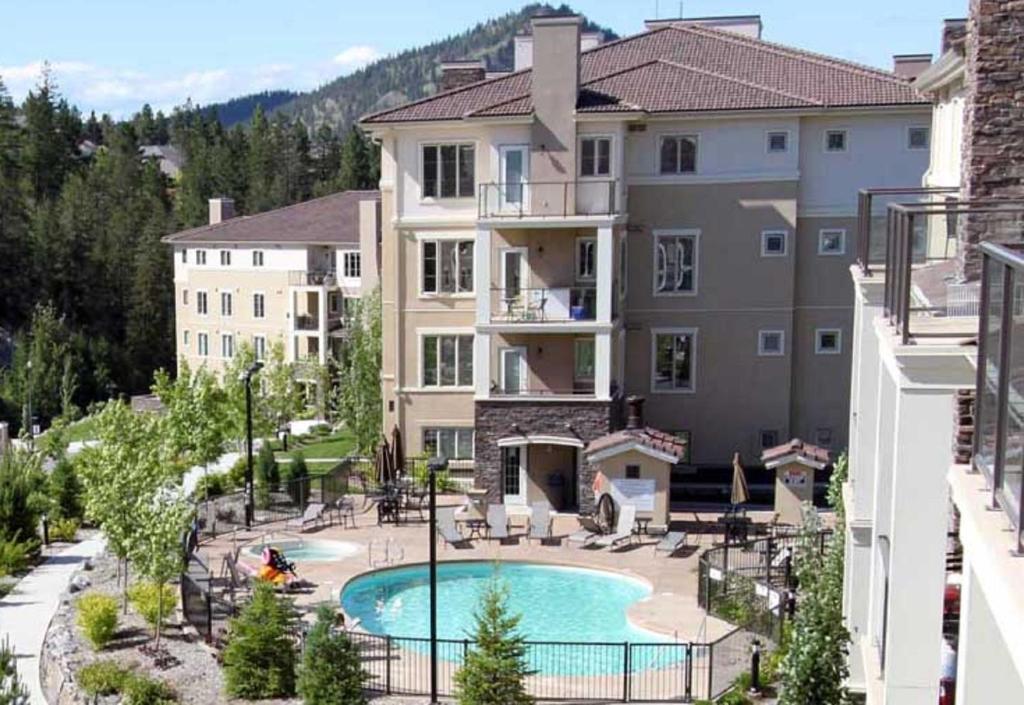 Vista de la piscina de Pinnacle Pointe Resort by Pinnacle Vacation Rentals o alrededores