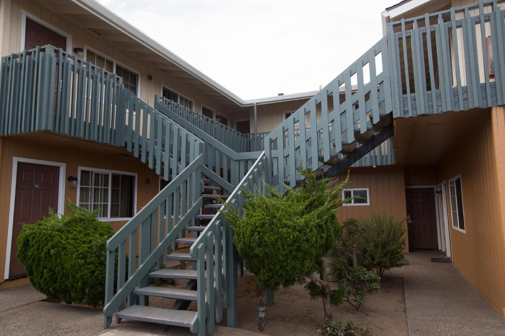 Gateway Lodge