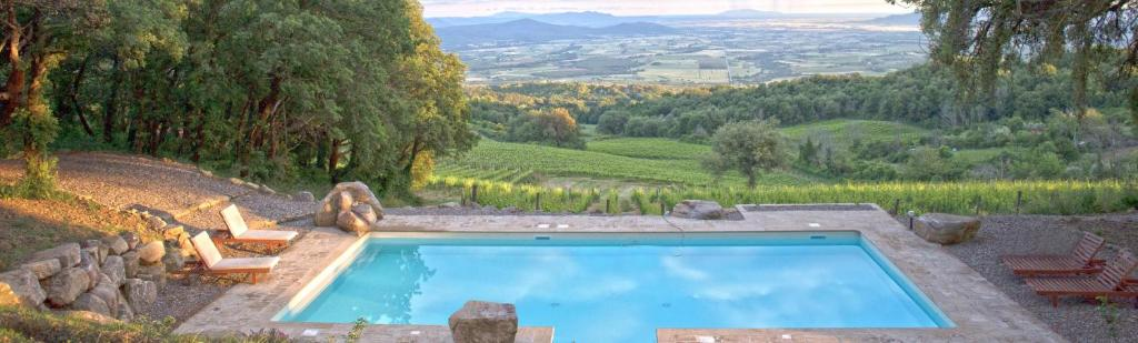 A view of the pool at Valdonica Winery & Vineyard Residence or nearby