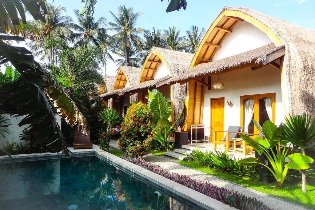 The swimming pool at or close to Teras Lombok Bungalow