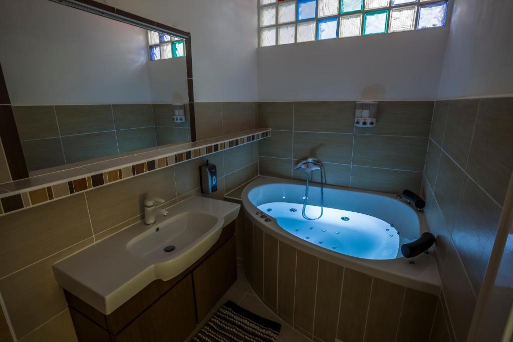 Kúpeľňa v ubytovaní Penmoor Place-Old Town Bratislava Air-Conditioned