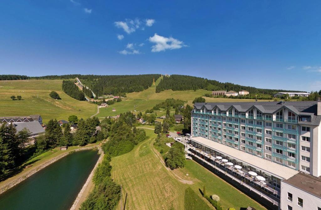 Blick auf Best Western Ahorn Hotel Oberwiesenthal – Adults Only aus der Vogelperspektive