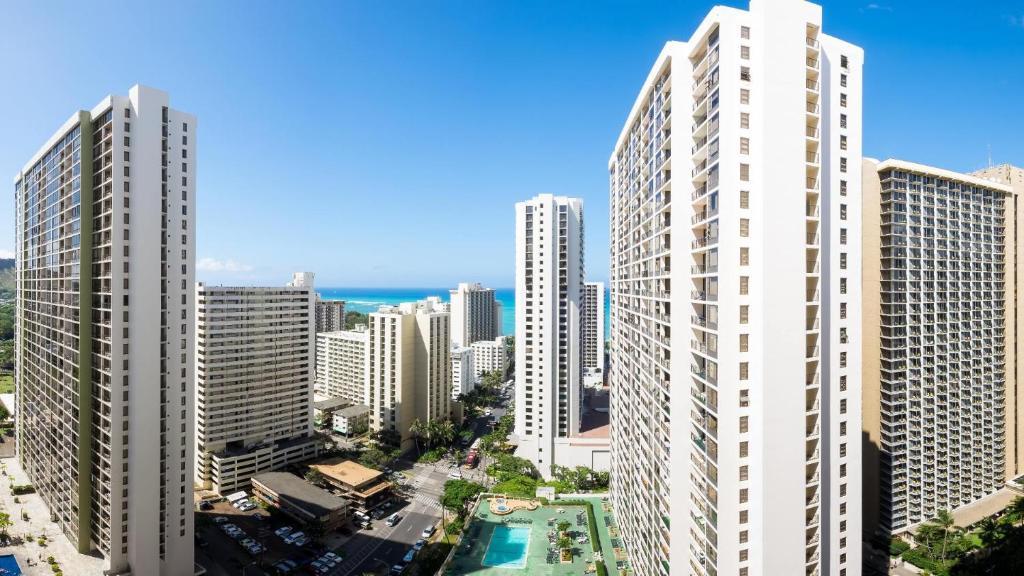 Hotel Hawaiian Sun Holidays Honolulu