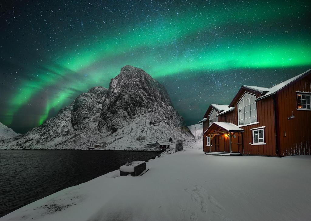Reinefjorden Sjøhus during the winter