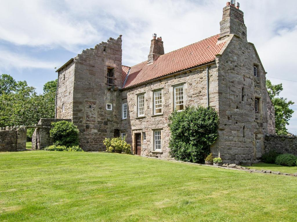 Dunstan Hall
