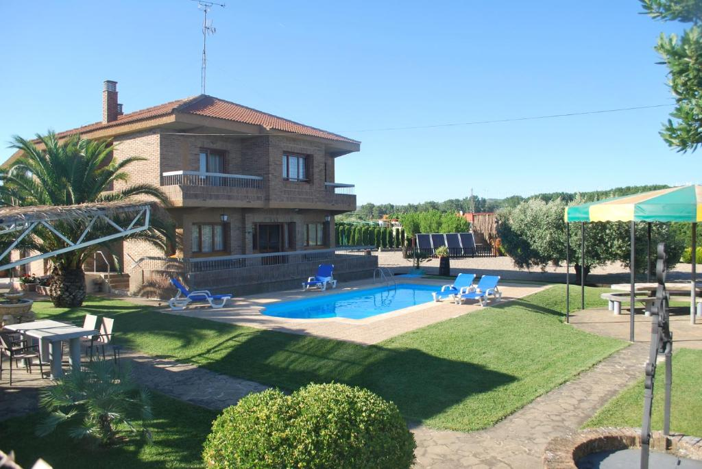 The swimming pool at or near Casa La Nava