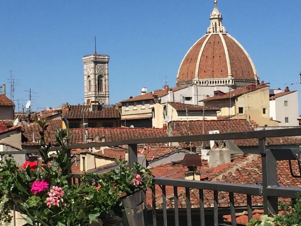 Apartment Nido A Santa Croce Con Terrazza Florence Italy