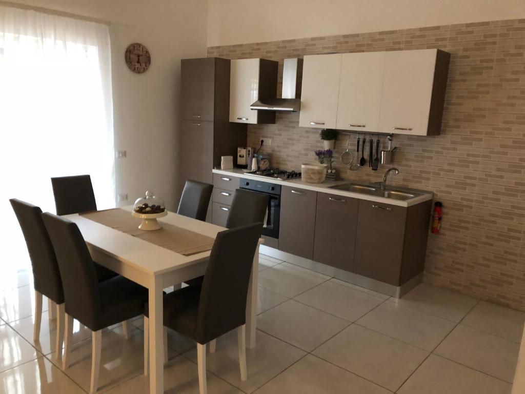 Cucine Usate Campania Napoli apartment la casa di vincenzo, castellammare di stabia