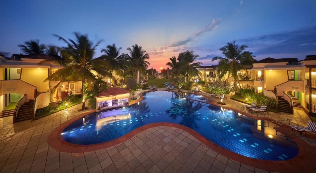 Басейн в Royal Orchid Beach Resort & Spa, Goa або поблизу