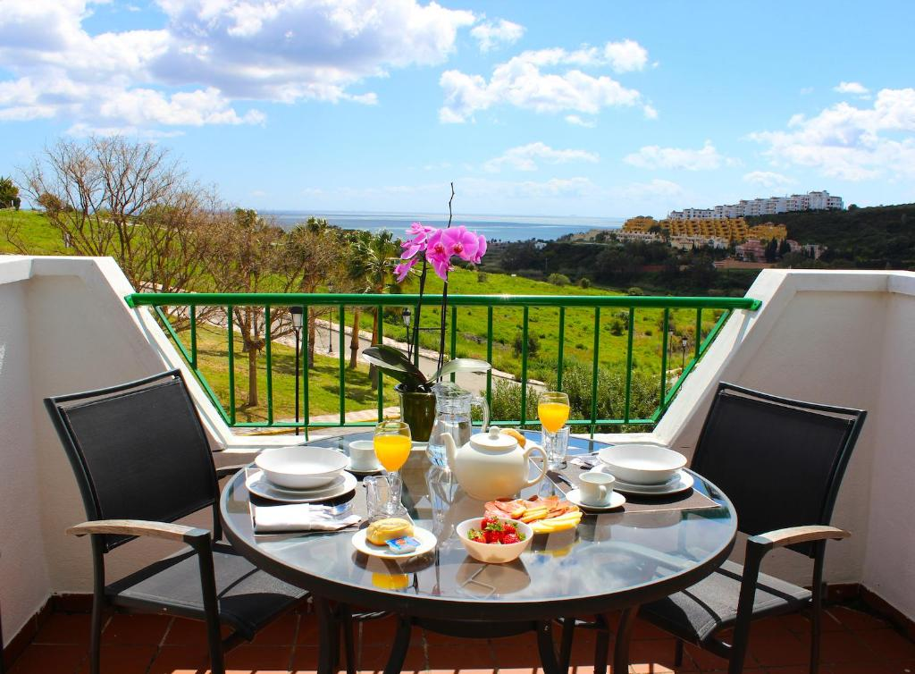 Un balcón o terraza de Hotel Apartamentos Manilva Sun