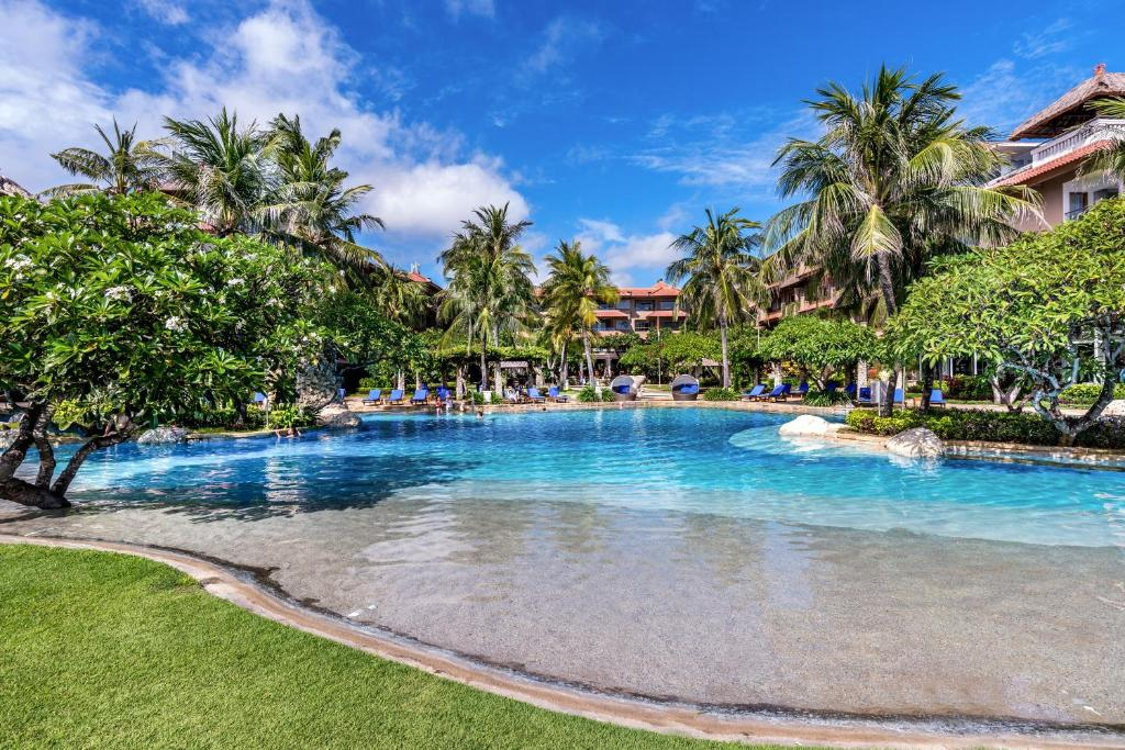 The swimming pool at or close to Hotel Nikko Bali Benoa Beach
