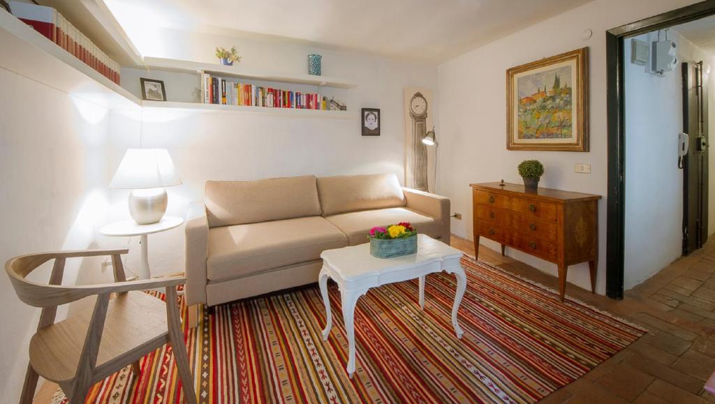 A seating area at Vanina Apartment