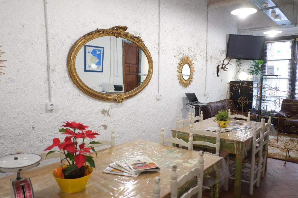 Hotel Pigal (España Tarragona) - Booking.com