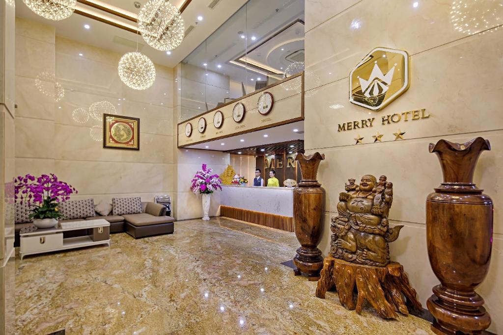 Khu vực sảnh/lễ tân tại Merry Hotel