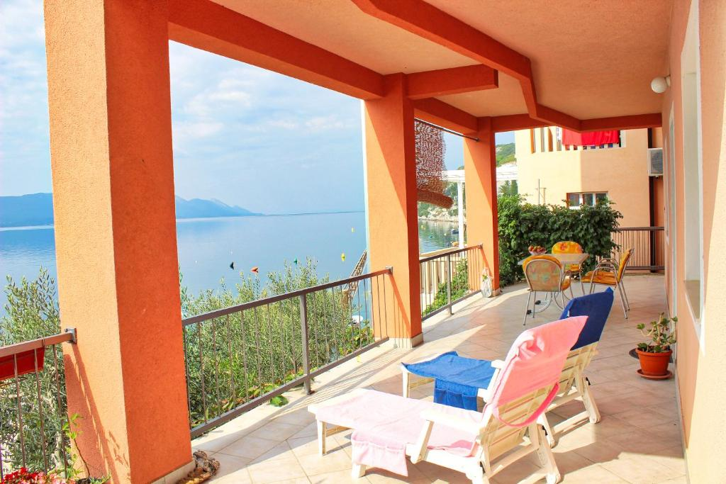 A balcony or terrace at Apartments Boženka