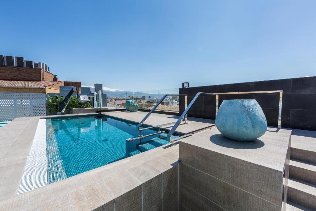 Swimming pool sa o malapit sa Catalonia Granada