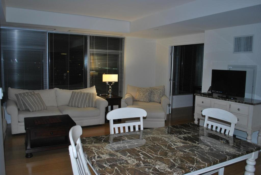 Fenway Executive One Bedroom Suite