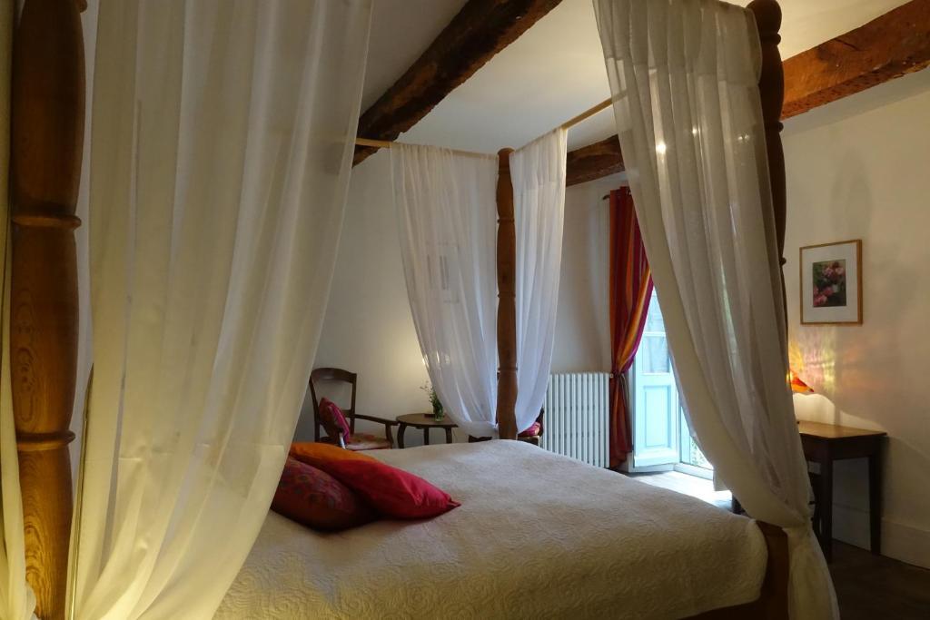 Un ou plusieurs lits dans un hébergement de l'établissement Residence Crone
