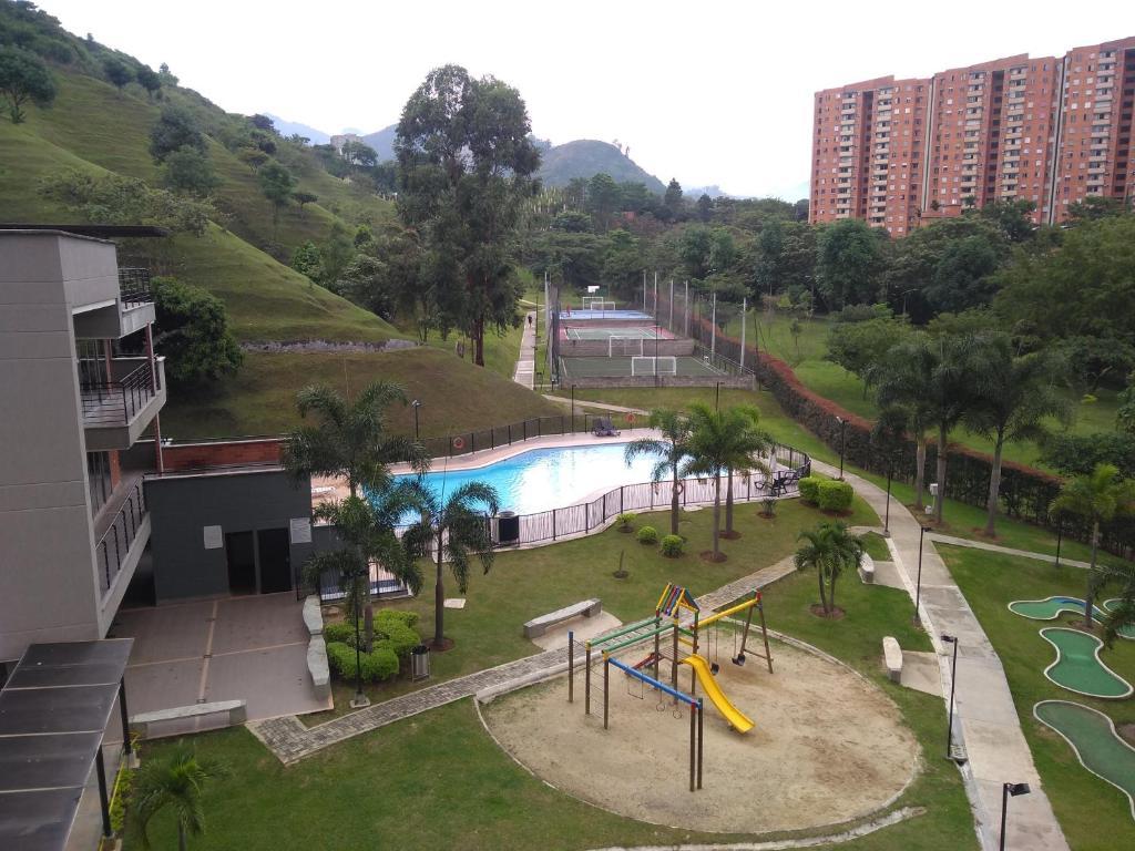Vista de la piscina de Apto privado full en unidad cerrada o alrededores