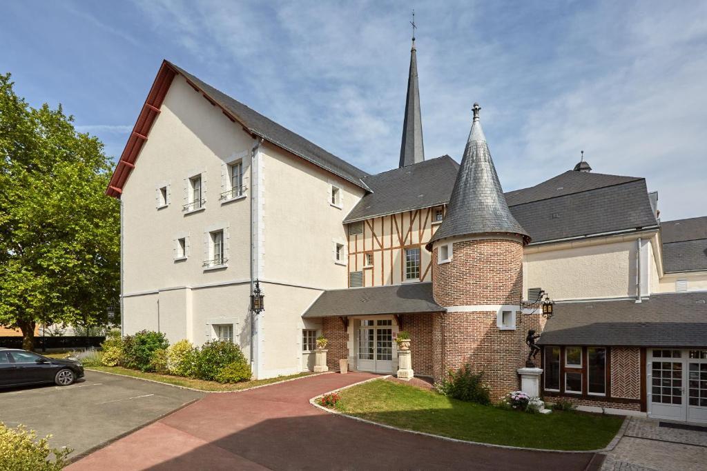 Hotel Relais Des Trois Chateaux Cour Cheverny France Booking Com