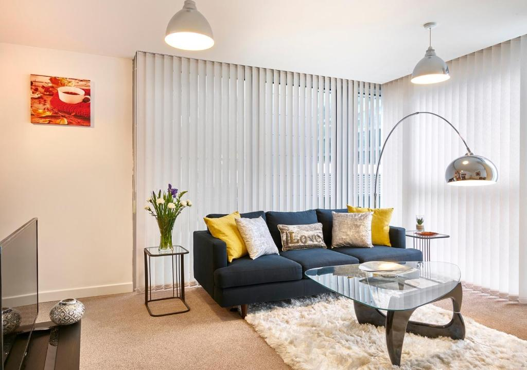 The Hub Serviced Apartments- Shortstay MK in Milton Keynes, Buckinghamshire, England