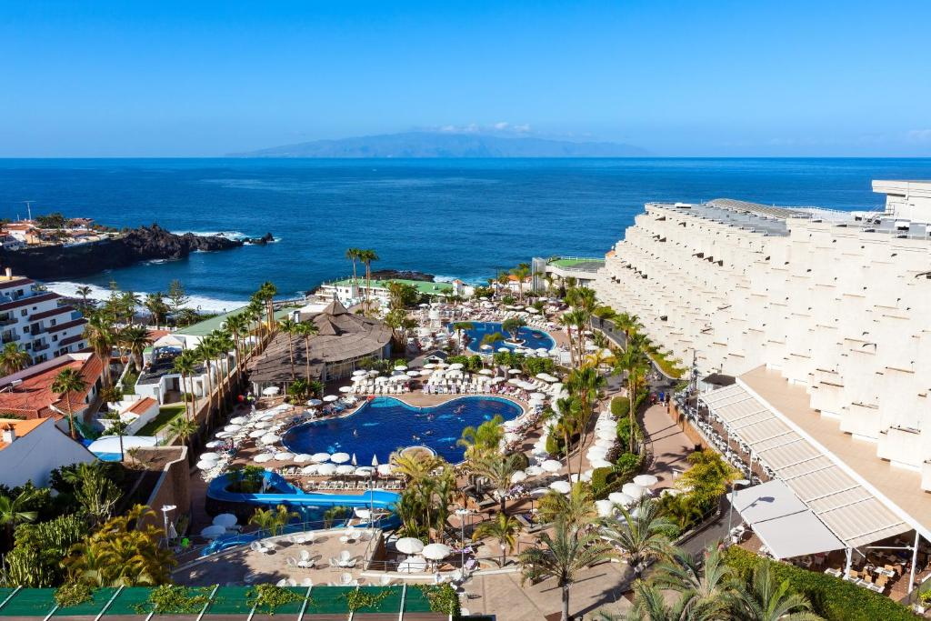 A bird's-eye view of Be Live Experience Playa La Arena