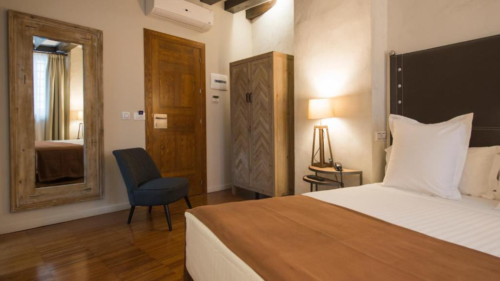 boutique hotels in toledo  51