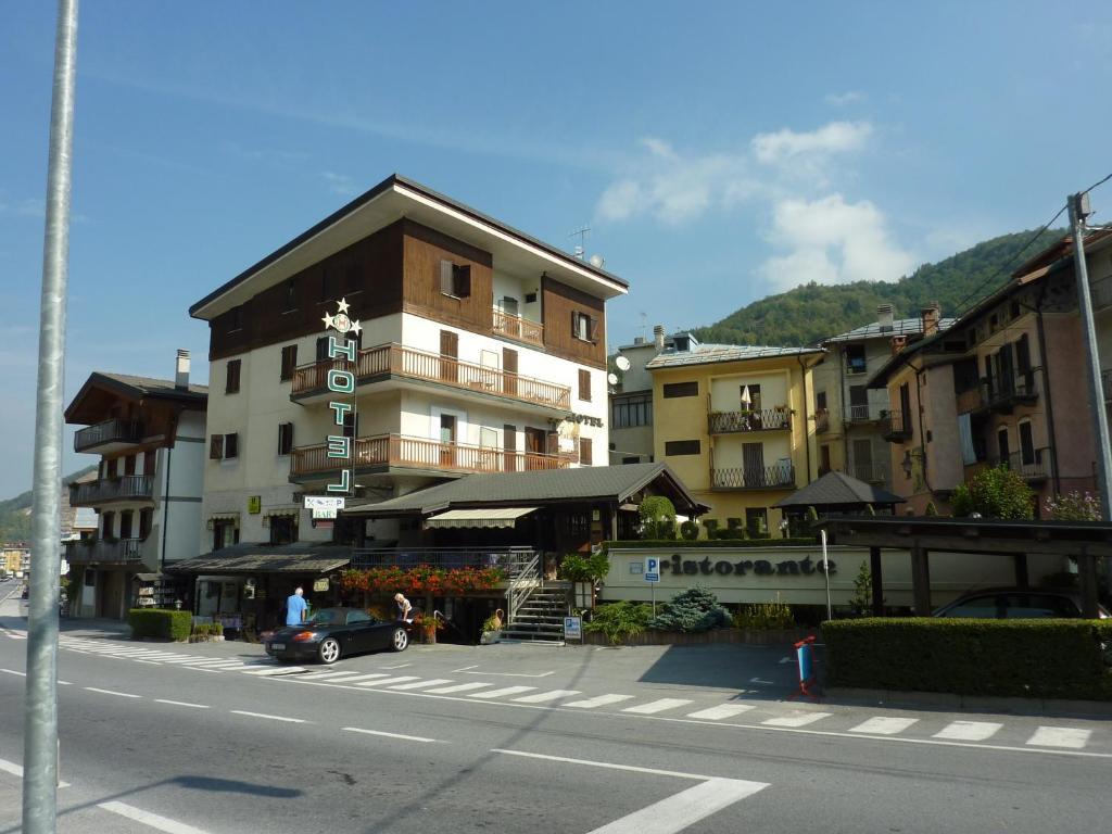 Hoteles en Vernante Buscar hoteles en KAYAK