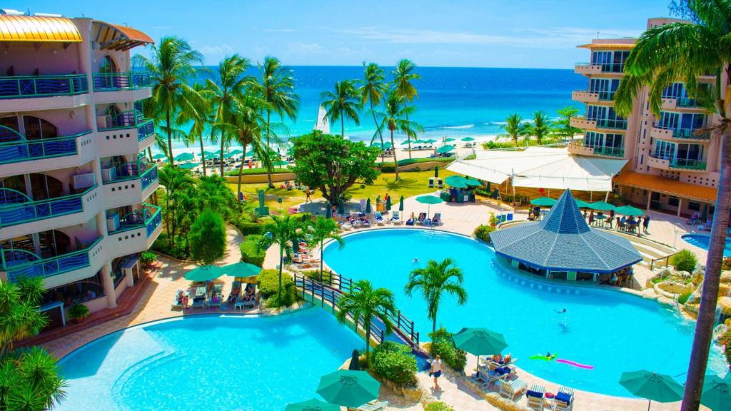 A view of the pool at Accra Beach Hotel or nearby