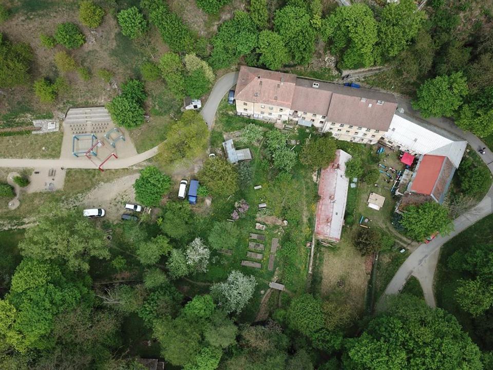 Letecký snímek ubytování Cesta
